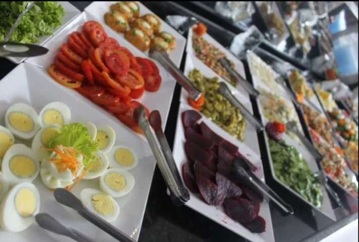 Buffet-de-Saladas-San-Siro-Im.001-e1526067796141 Title category