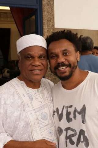 Ivanir-com-o-filho-Marcelo-Santos-Im.001-e1527483328765 Title category