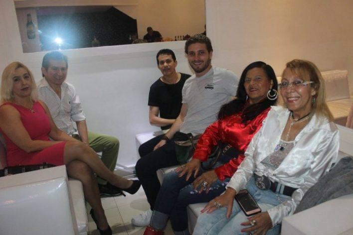 Monica-Borges-Lucas-de-Alencar-Marly-e-Marlety-Felipe-Blume-e-Zeca-Fonseca-Im.001-e1538337664582 Title category