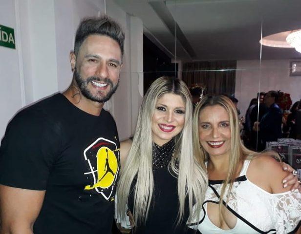 Ex-BBB-Daniel-Fontes-e-as-cantoras-Adryana-Ribeiro-e-Sarajane-Im.001-e1544831721259 Title category
