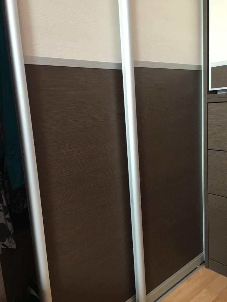 Tolóajtós gardrób szekrény