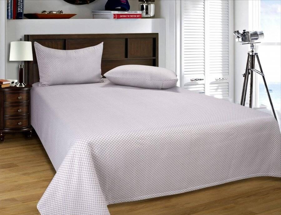 european style matelasse bedspread 2 pillow shams beige and cream