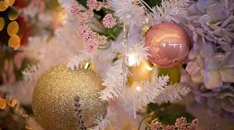 albero bianco di Natale