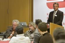 Landrat Günter Rosenke wies vor allem auf die wirtschaftlichen Chancen der Energiewende hin. Bild: Tameer Gunnar Eden/Eifeler Presse Agentur/epa