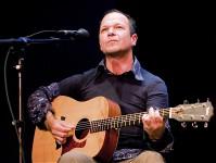Der Gitarrist Udo Schild ist einer der Künstler, die beim Konzert im Alten Casino ein Zeichen gegen rechte Gewalt setzen wollen. Bild: privat