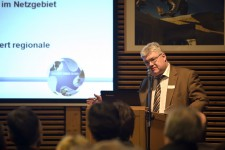 Steht für Grünstromversorgung durch den regionalen Energieversorger: Dieter Hinze, Geschäftsführer der Energie Nordeifel. Bild: Tameer Gunnar Eden/Eifeler Presse Agentur/epa