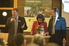 Gastgeber Wilfried Pracht (l.), Bürgermeister der Gemeinde Nettersheim, plädierte für maximale Wertschöpfung für die Region und nicht für auswärtige Investoren. Bild: Tameer Gunnar Eden/Eifeler Presse
