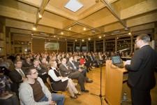 Etwa 180 Zuschauer interessierten sich für die Zukunft der Eifel in Bezug auf Windenergie. Bild: Tameer Gunnar Eden/Eifeler Presse Agentur/epa