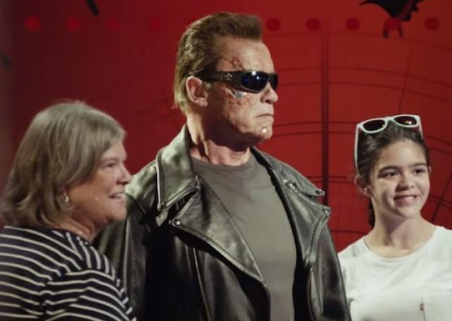 Arnold_Schwarzenegger_Pranks_Fans