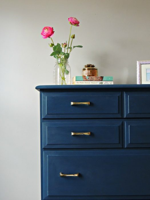 How To Paint Furniture And Get Perfect Results by Wife In Progress >> Featured on the Totally Terrific Tuesday Link Party hosted by Eight Pepperberries
