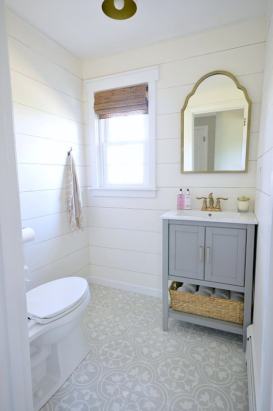 Glam Farmhouse Powder Room Makeover by Wife In Progress >> Featured on the Totally Terrific Tuesday Link Party hosted by Eight Pepperberries
