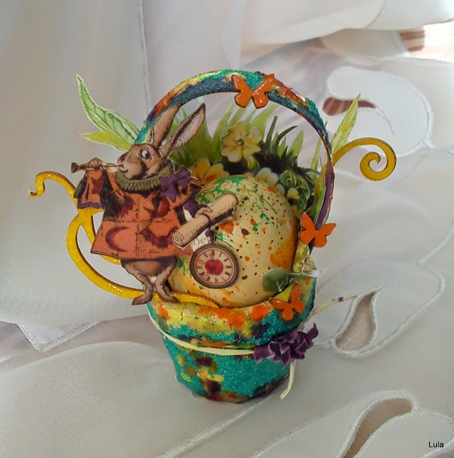Art with Heart April Showers Challenge Winner and Top 3! {Altered Easter Basket by Lucyana Marynoska} | Eileenhull.com