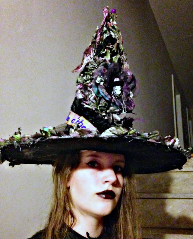 Sizzix Flower Witch Hat by Sara's Closet | Eileenhull.com