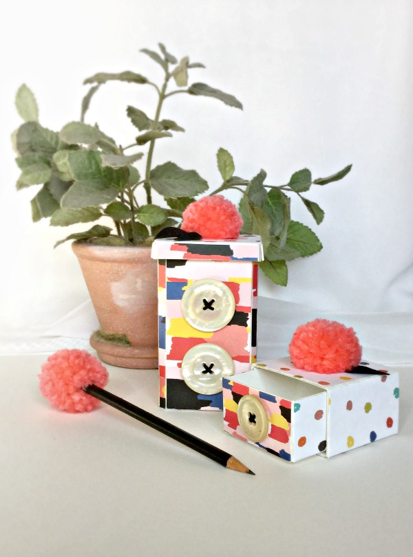 Peachy Keen Sizzix Desk Set by Michelle Zerull with Eileen Hull Scoreboard Dies Ashley Goldberg Studio Calico Paper