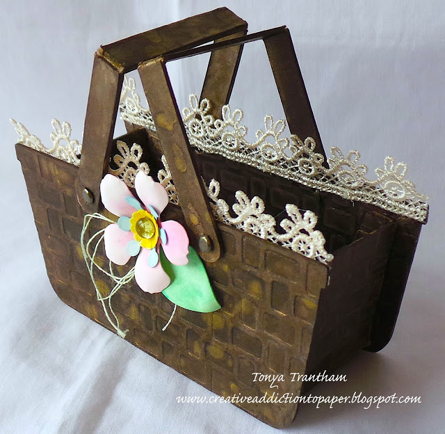 Eileen Hull's Heartfelt Sizzix Collection : Flower Basket by Tonya Trantham