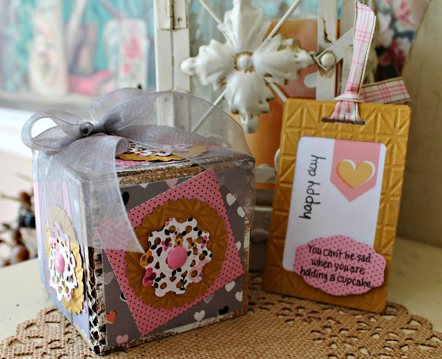Gifts to Die For Ebook: Eileen Hull Cupcake Holder and Tag by Pam Bray