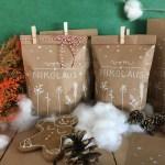 Vom Nikolaus Geschenktuten Fur Weihnachtsgeschenke Mit Miniklammern Eine Der Guten
