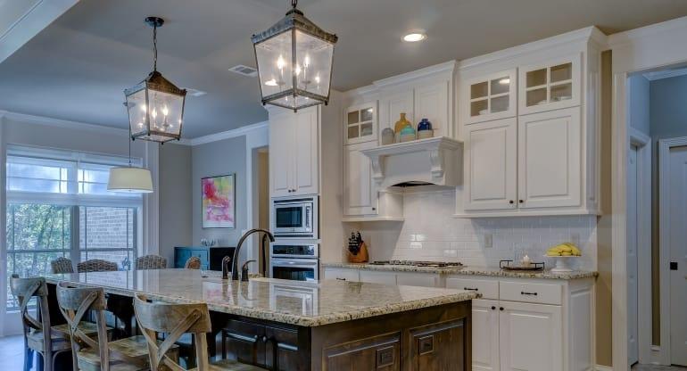 Dunstabzugshaube integriert in Küche