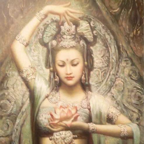 Lichtmeisterin Kwan Yin, Sanftheit, Weiblichkeit, Schönheit
