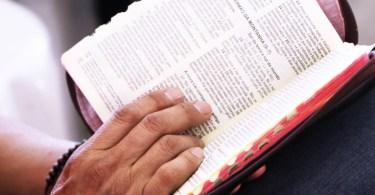 A bíblia condena o incesto?