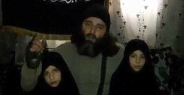 Jihadistas treinam filhas de 7 e 9 anos para serem crianças-bomba