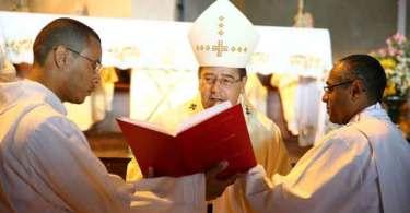 Arquidiocese pede direito de resposta em matéria sobre livreto