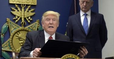 Grupos judaicos atacam Trump por causa de seu decreto interditando a imigração islâmica