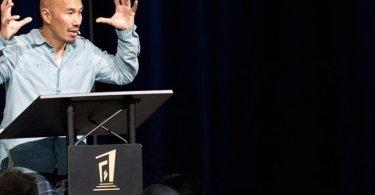 """""""Se Jesus tivesse uma igreja, muitos não iriam nela"""", diz Francis Chan"""