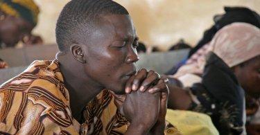 Governo proíbe cristãos de realizarem culto de oração pela Igreja Perseguida, na Nigéria