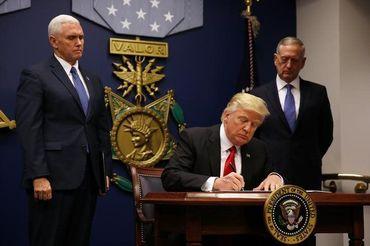 Novo decreto migratório de Trump exclui exceção a cristãos