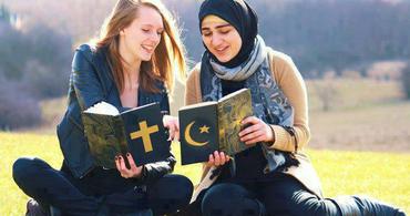 Muçulmanos e cristãos não adoram o mesmo deus