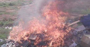 Pastor faz congregação queimar Bíblias por não concordar com tradução