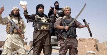 Estado Islâmico tenta impor lei muçulmana sobre os cristãos do Egito