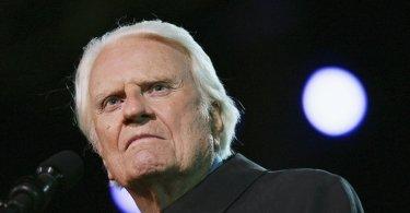"""""""Se formos ignorantes da Bíblia, seremos ignorantes da vontade de Deus"""", diz Billy Graham"""