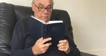 Marcelo Rezende combate câncer com fé e leitura bíblica