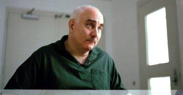 Após 40 anos preso, assassino se converte e escolhe ficar na cadeia para evangelizar