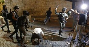 Luta de judeus e muçulmanos no Monte do Templo deixa dezenas de feridos