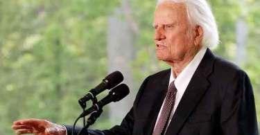 Deus permite que tragédias aconteçam para nos aproximar mais Dele, diz Billy Graham