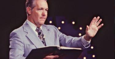 Rex Humbard, o primeiro e mais importante televangelista que abençoou milhões