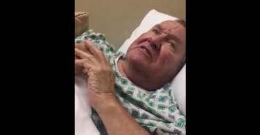 Idoso com alzheimer ouve neta louvando a Deus e recupera memória