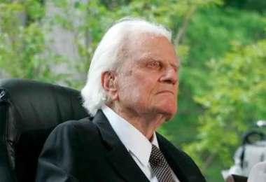"""""""Às vezes Satanás tenta imitar a obra de Deus"""", diz Billy Graham"""