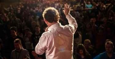 """Após sonho com Jesus, evangelista viu mais de 250 mil conversões: """"A graça me chamou"""""""