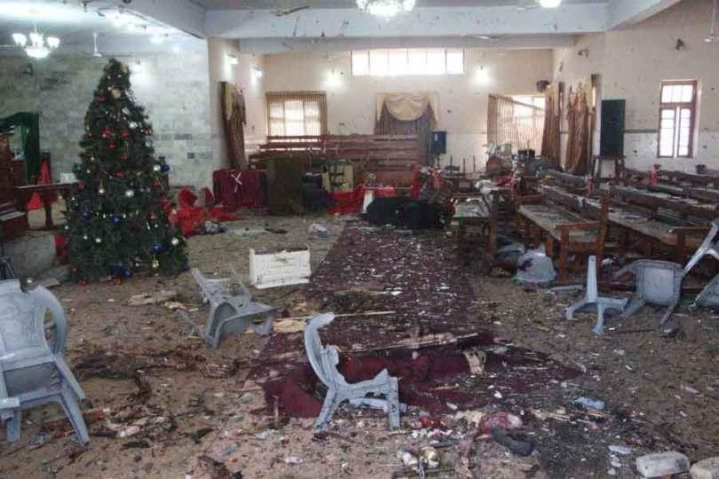 Destruição após um atentado suicida em uma igreja protestante, em Quetta, no Paquistão. (Foto: EPA-EFE)