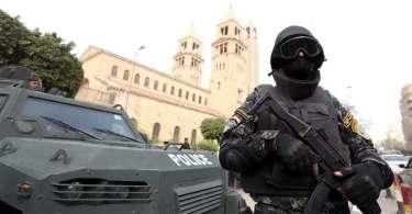 Egito teme terrorismo e convoca 230 mil policiais para segurança de igrejas no Natal