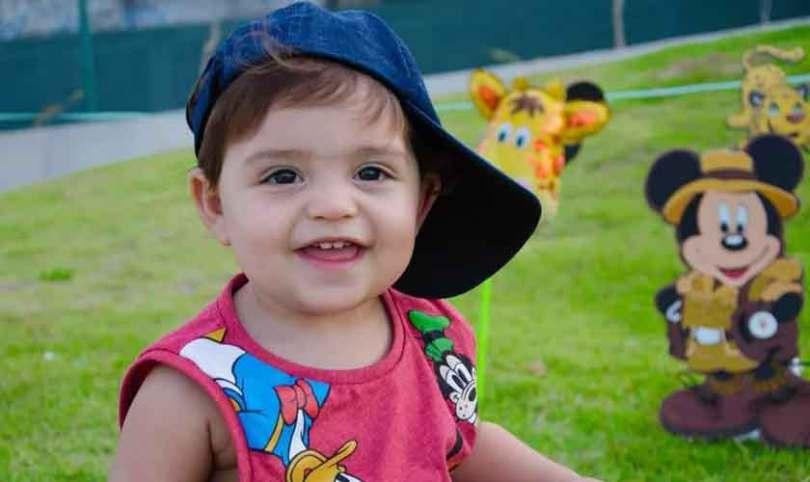 """Bebê que estava morto ressuscita após mãe procurar igreja: """"Pararam o culto para orar"""""""