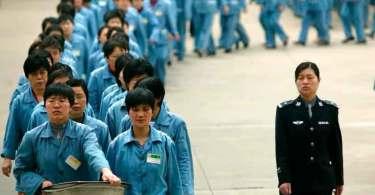 """Mais de 100 cristãos são submetidos a """"lavagem cerebral"""" em campos comunistas da China"""