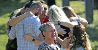 Tiroteio na Flórida prova que não devemos tirar Deus da esfera pública, diz atleta cristão
