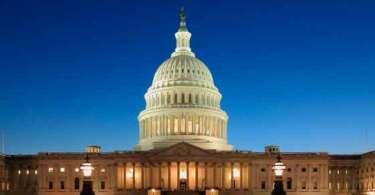 Supremacista branco que nega o Holocausto começa a reivindicar nomeação do Partido Republicano para o Congresso dos EUA