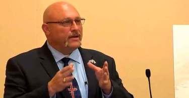 """""""Toda vez que a igreja é perseguida, Deus multiplica o Seu povo"""", diz pastor"""