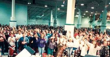 """Pastores falam sobre a """"Bênção de Toronto"""", avivamento que marcou a década de 90"""